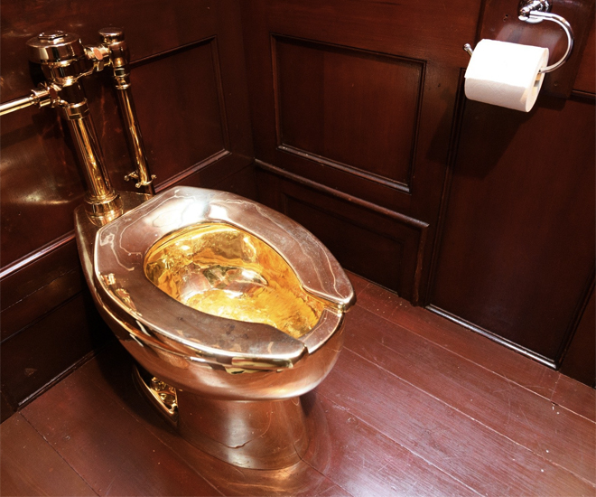Maurizio-Cattelans-US6-million-Solid-Gold-Toilet-Stolen-From-Blenheim-Palace-10.jpg