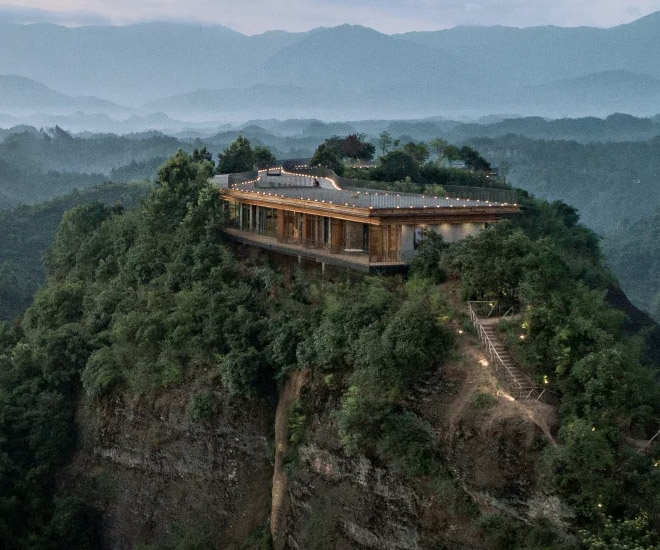 The-Pingjiang-Homey-Wild-Luxury-Hotel-is-the-Worlds-most-adventurous-tourist-stay-15.jpg