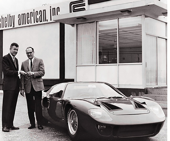 th-660-Caroll-Shelby-and-the-Ford-GT40-Mark-II.jpg