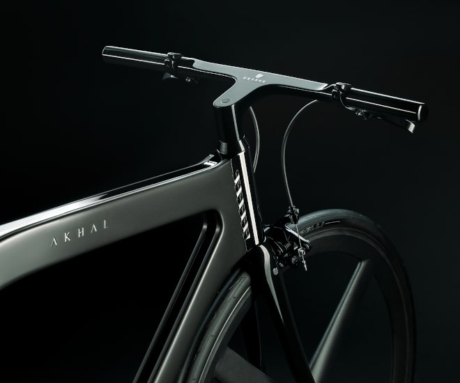 Worlds-Best-Designed-Luxury-Bicycle-Extans-Akhal-Shadow-and-Shine-with-Carbon-Monocoque-frame-11b.jpg