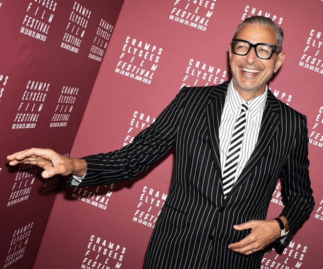 Stylish-at-65-Jeff-Goldblum-is-Proof-that-Age-Really-is-Just-a-Number-6.jpg