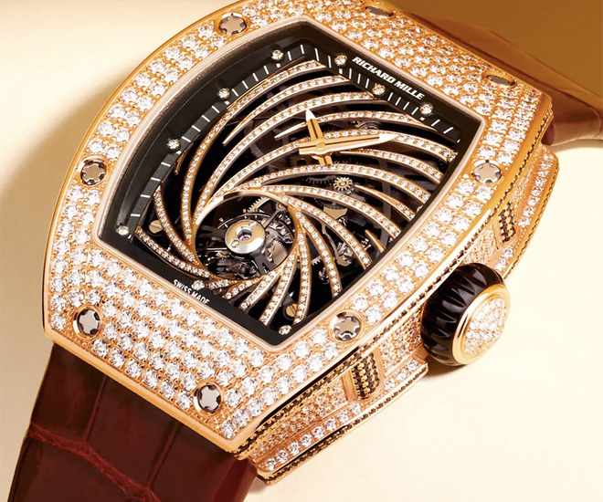 With-over-3-million-worth-of-Timepieces-stolen-Paris-has-a-Luxury-Watch-Theft-Issue-3.jpg